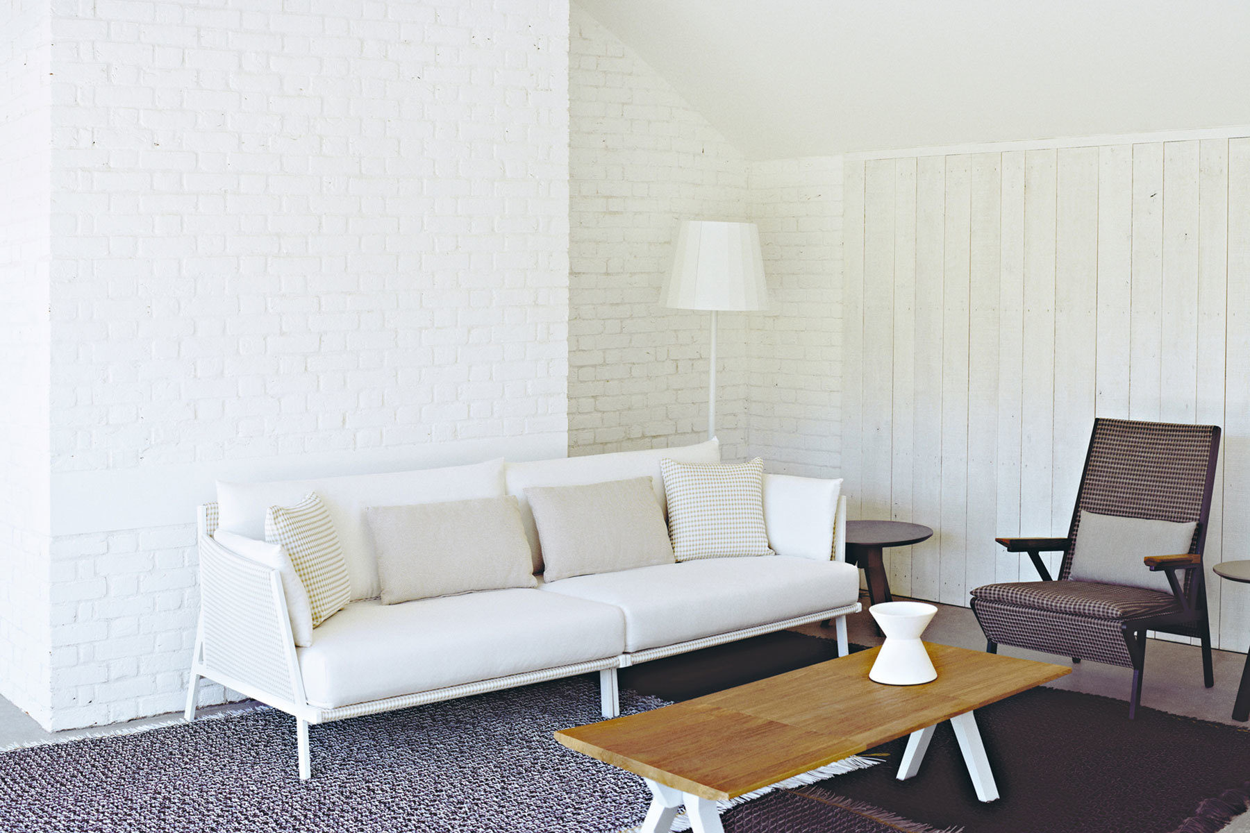 Vieques sofa by patricia urquiola for kettal residential for Mobilia international